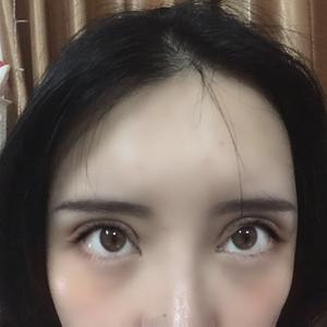 卡姿兰大眼睛