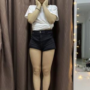 大家對腿部的審美真的很苛刻,太粗了不行、太細了不好看,尤其是短褲短裙這種,更加考驗腿部線條,稍微有點肉肉或者健美的線條,...