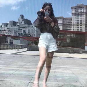 啊啊啊,翻手机的时候突然发现夏天去海边玩儿的视频,现在我被冻得瑟瑟发抖搞得我又想去海边晒太阳了的。看了哈时间那个是吸脂后...