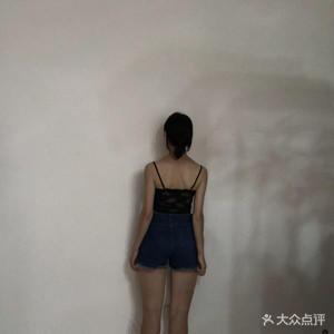 抓住夏天的小尾巴再來一波小清新的照片~~好喜歡這種青翠的感覺,夏天的氣息剛剛好,幸好選擇在穿裙子的時候去吸脂,整個夏天都...